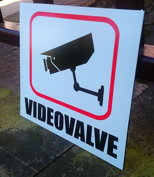 videovalve silt valge
